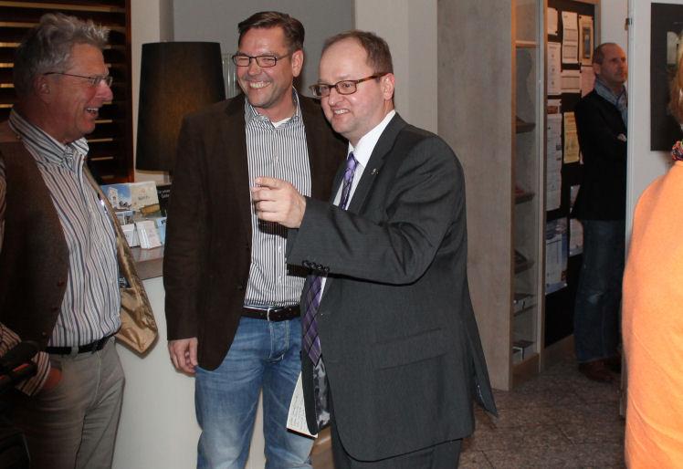 Arno Junkmann, Hotel Chef Sascha Nüchter und Lions Präsident Holger Schönemann haben Spaß